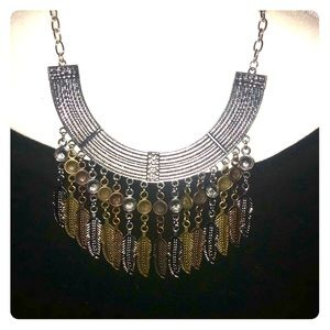 Jewelry - Retro hanging feathers necklace & drop earrings